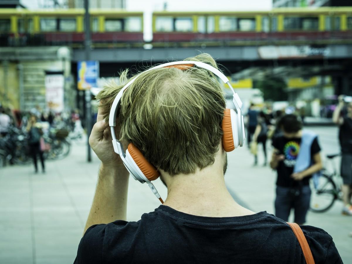 Podcasty do słuchania w wolnych chwilach – ponad 40 godzin nagrań